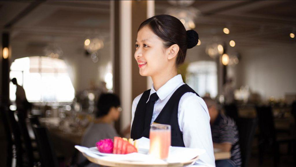 Tuyển quản lý và nhân viên khách sạn