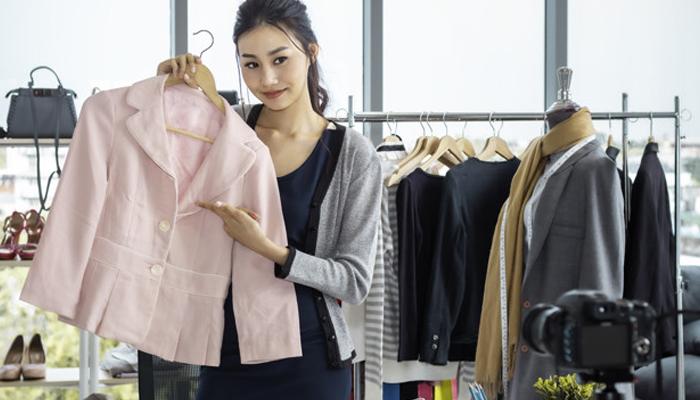 Livestream bán quần áo online